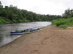 Pehme liiva ja paljude plaažidega jõeosa Gaujenast Strencini